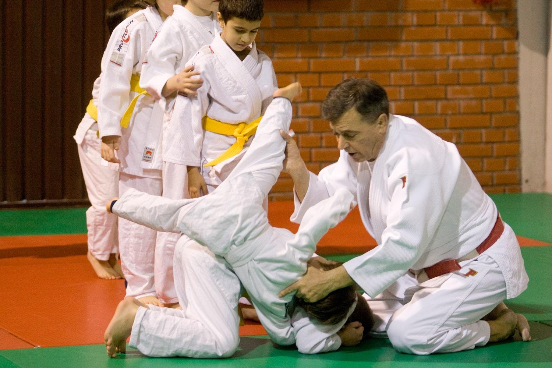 Učenje padova sa trenerom