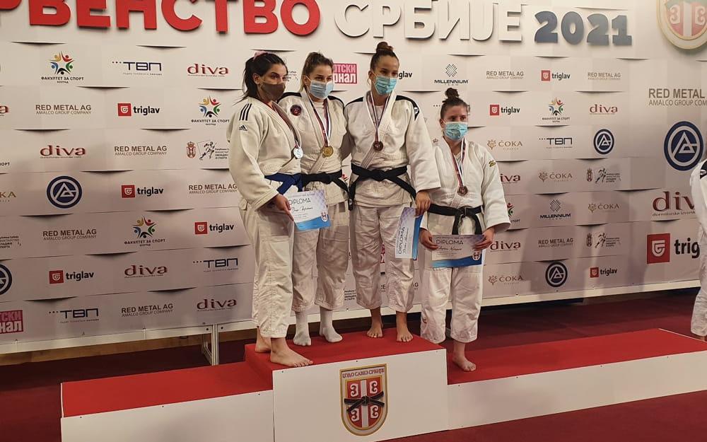 Kuruzović Milena na prvenstvu države za seniore